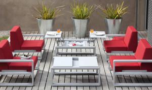 1349768076fauteuil-club-x-4-argent-cerise-petite-table-modulable-x-2-argent-kama-1-ego-paris-gf